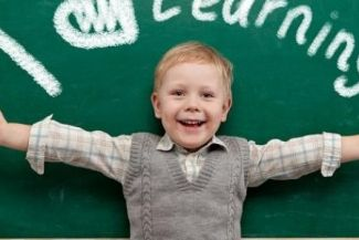 كيف ترغب الطفل في حب التعلم و المدرسة