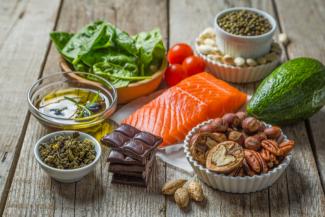 أفضل الأطعمة التي تساعد على استقرار نسبة الأنسولين والسكر في الدم