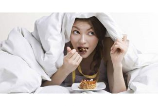 Eating Just Before Bedtime: Is It Good or Bad for Health?