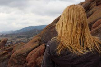 المرأة العازبة: هل هي المشكلة أم الحل؟ عن النساء العازبات وخاصة في العالم المتقدم