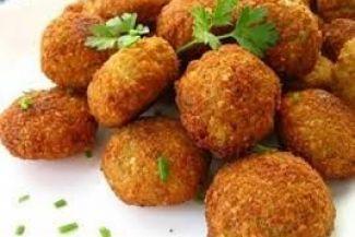 الطعمية والفول والكشري: تعرف على أشهر الأكلات الشعبية المصرية وتاريخها وطريقة عملها