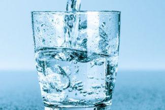 هل مياه الصنبور أفضل من المياه المعبأه؟ اكتشف حقيقة الماء!