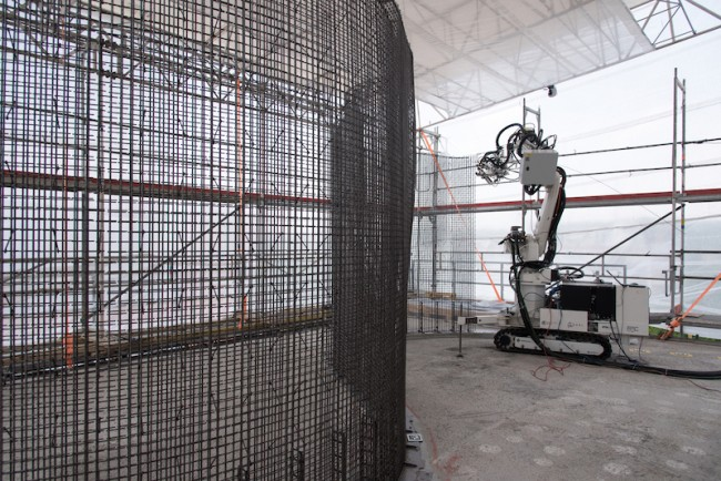Building with robots and 3D printers: Construction of the DFAB HOUSE up and running