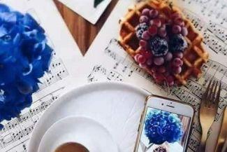 أكثر من بائعة قهوة - قصة قصيرة