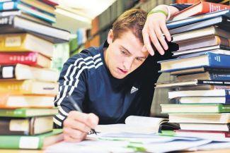 نصائح غذائية هامة لتجاوز فترة الامتحانات!